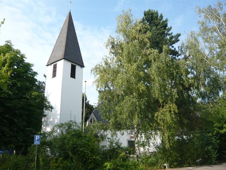 Kreuzkirche im Sommer